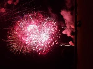 p1-Sparks-Fireworks-BM